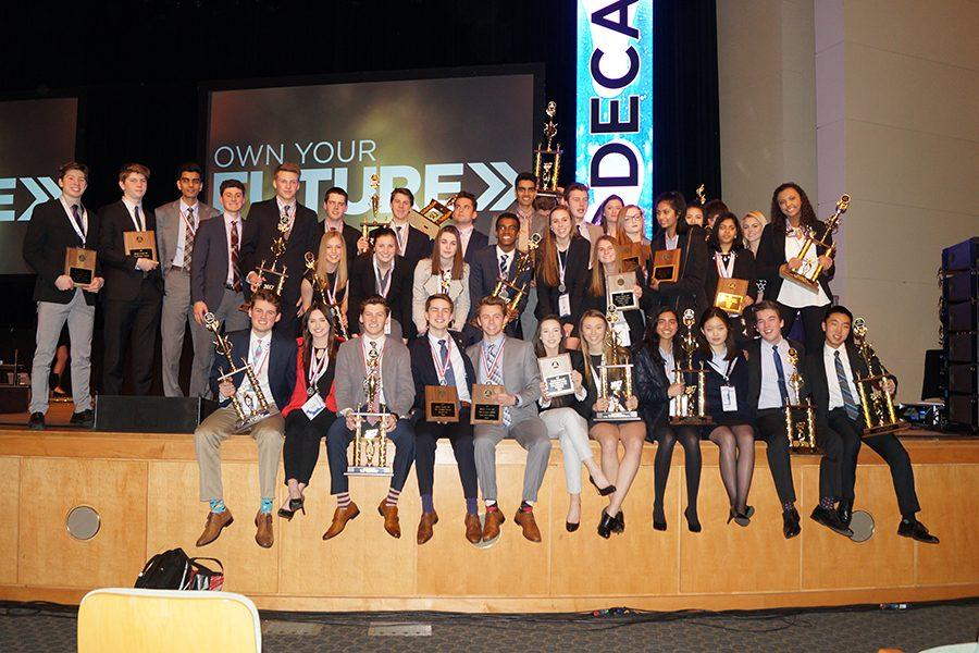 Students+earn+recognition+at+Minnesota+DECA+conference.